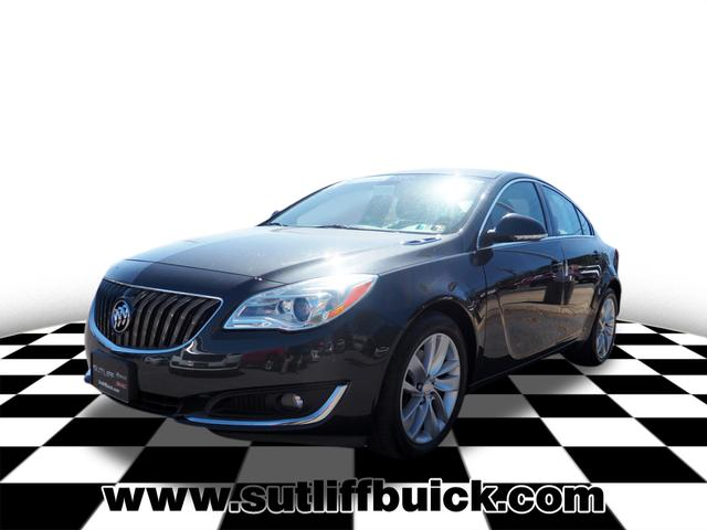 Pre-Owned 2016 Buick Regal Base